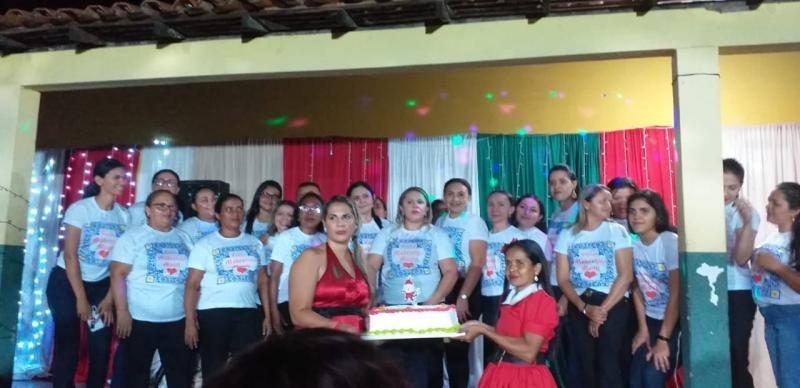 Prefeita Patrícia Leal participa de evento natalino do Colégio Modestina