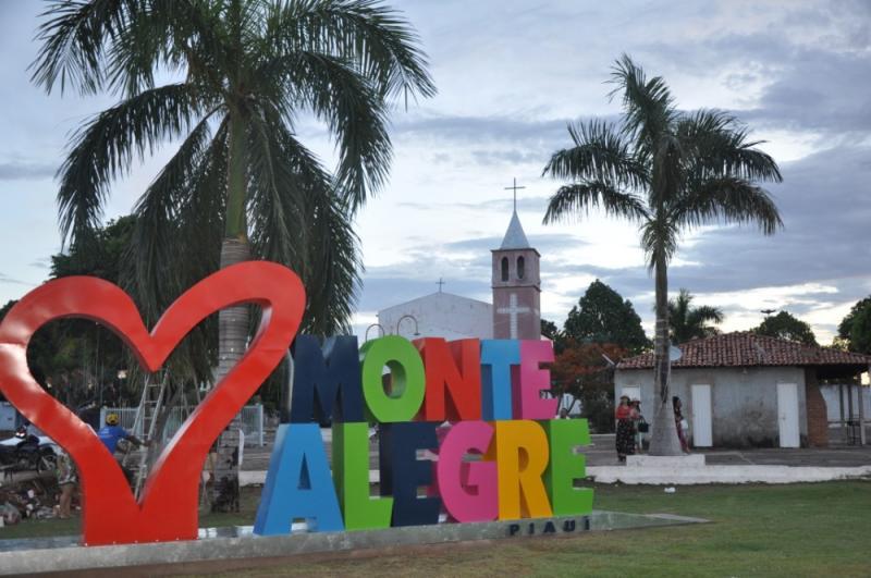 Foto: Lucinaldo (Pequeno) Portal Monte Alegre.com | Praça Padre Raimundo