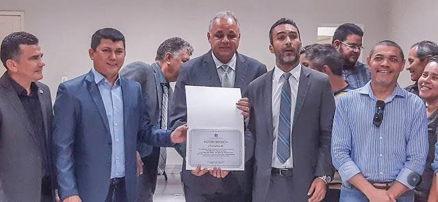 """Prefeito participa de solenidade de entrega do Selo de """"Vara 100% Digital"""""""