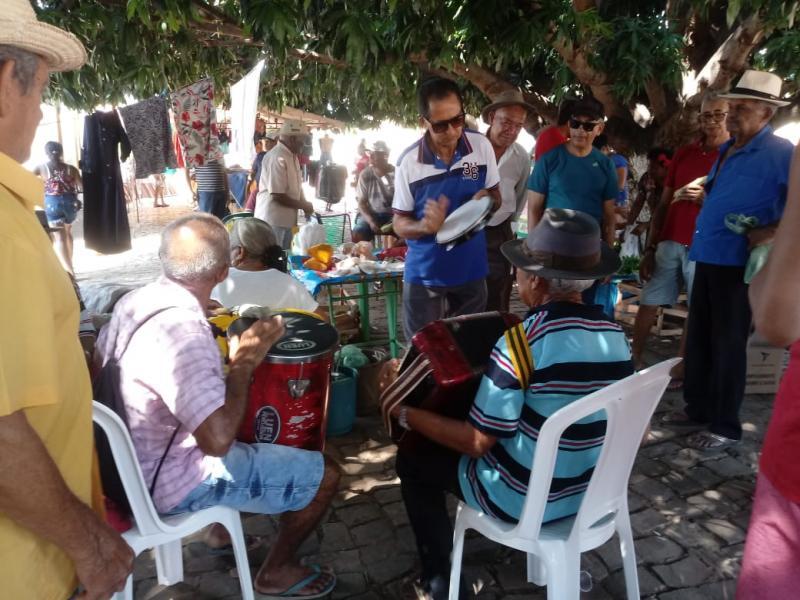 Moradores se mobilizam para resgatar feira popular em Landri Sales
