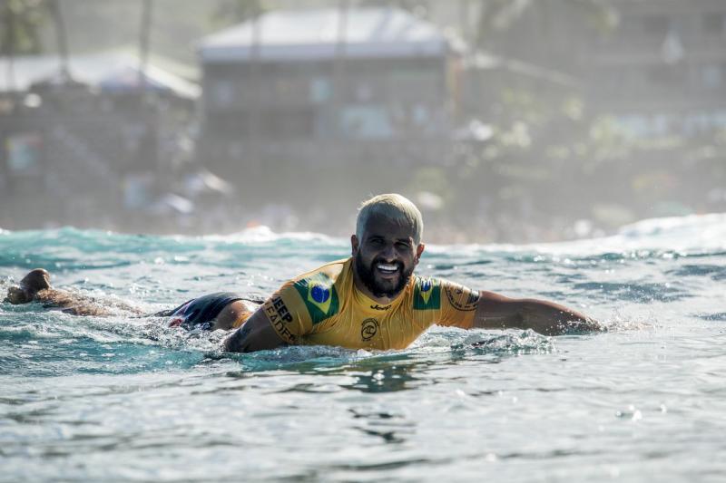Brasil garante título do Circuito Mundial de Surfe
