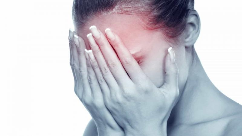 Dor de cabeça intensa: Sexo, postura e quatro outras causas inusitadas