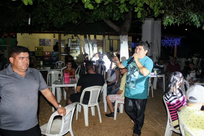 Erasmo Silva reúne amigos e simpatizantes em confraternização