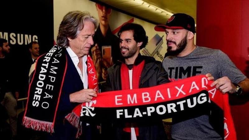 Jorge Jesus chega a Portugal e confirma que segue no Flamengo