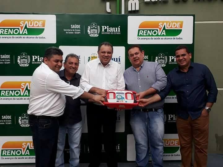 Demerval Lobão: Prefeito prestigia solenidade no hospital local para entrega de equipamentos