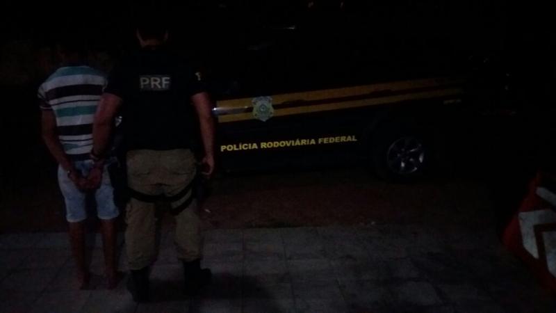 PRF prende condutor com CNH falsa no sul do Piauí