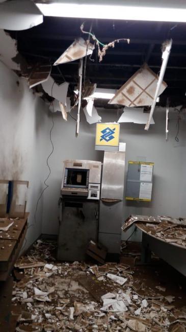 Bandidos armados explodem agência bancária em cidade do PI