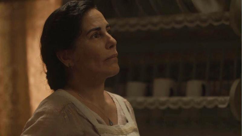 Lola fica em choque com atitude de Carlos em 'Éramos Seis'