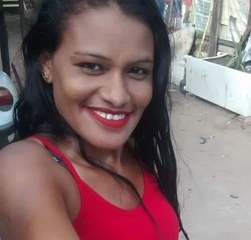 Mulher morre após colidir moto na traseira de carro em Teresina