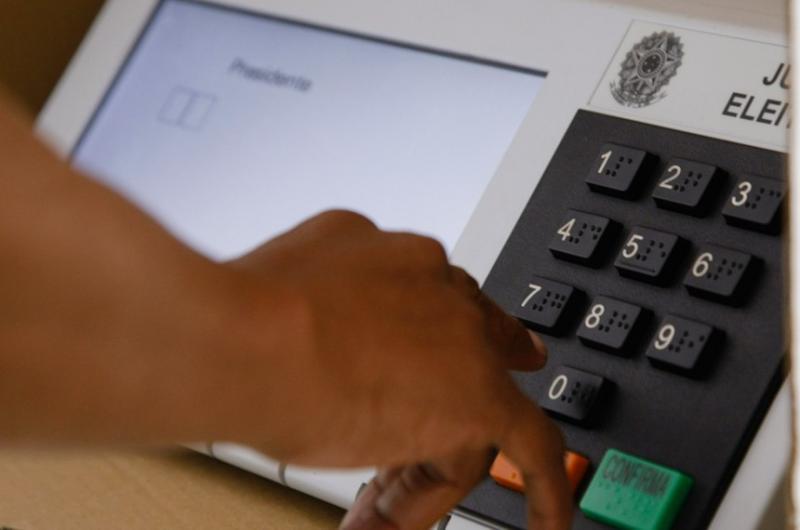 Comissão analisa projeto que torna obrigatória a impressão dos votos na urna