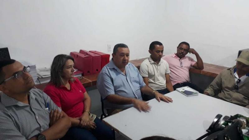Prefeitura de Cajazeiras realiza reunião com secretários e funcionários