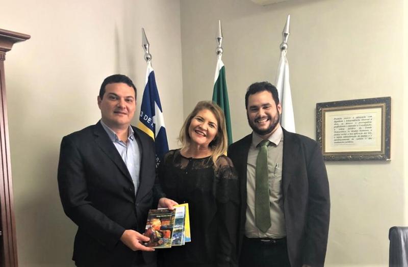 Presidente da OAB Piauí recebe a visita do intelectual Diego Mendes