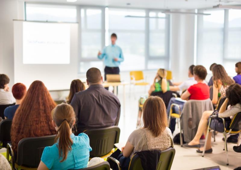 Educação superior: cresce número de mestres e doutores