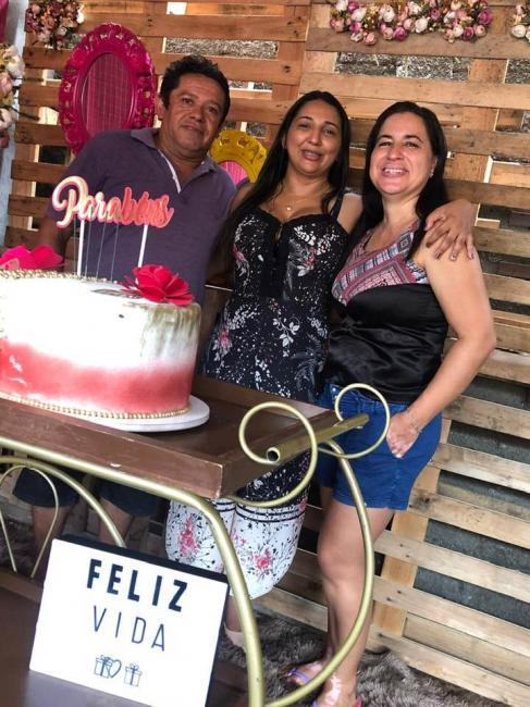 BENEDITINOS: Vereadora é pega de surpresa em seu aniversario