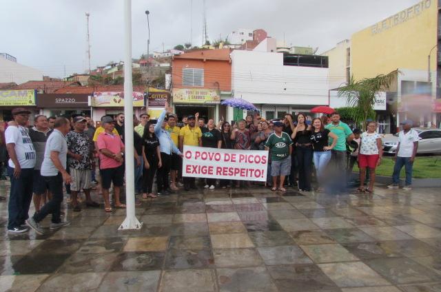 População Picoense vão as ruas em protesto contra a exoneração de Viana