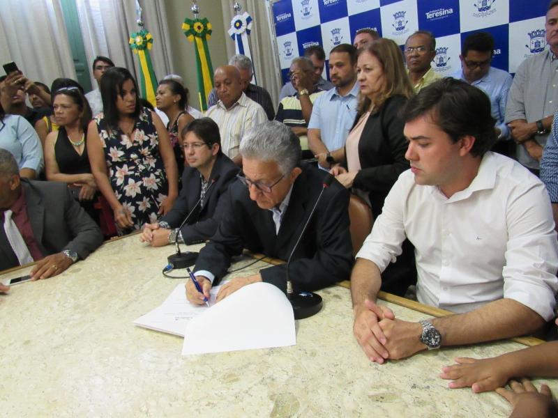 Prefeitura empossa novos conselheiros tutelares de Teresina
