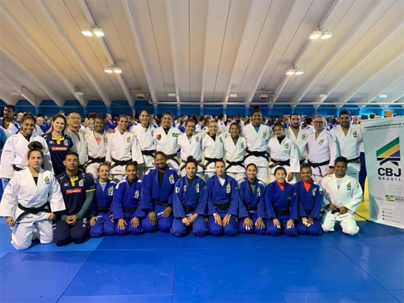 Judocas do Brasil realizam primeiro treinamento em Mittersill, na Áustria