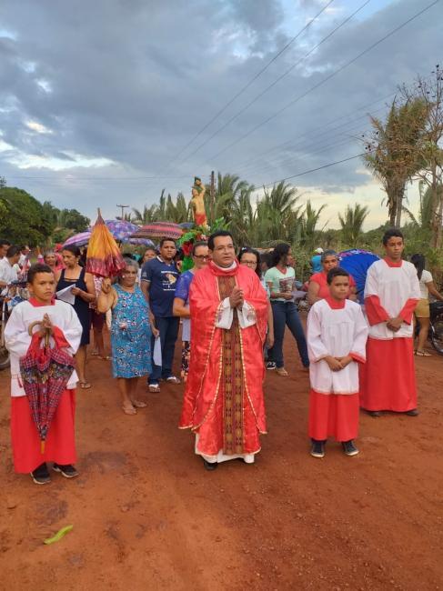 Pe. Jucelino realiza seu primeiro festejo na paróquia São José em C. Largo