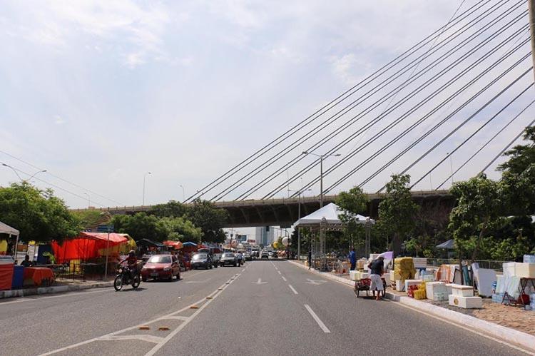 Prefeitura alerta ambulantes para tamanho de barracas no Corso