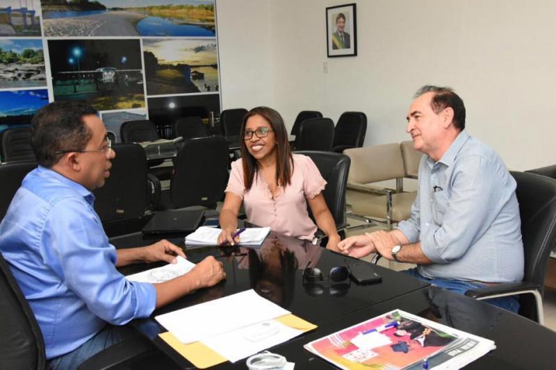 Prefeito Joel acompanha processo de implantação do Plano de Cargos e Salários dos servidores