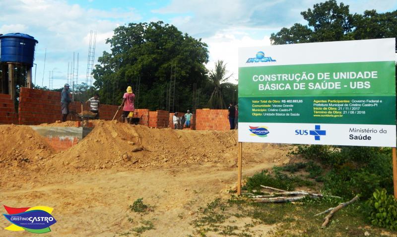 Prefeito Dr. Manoel Júnior fiscaliza a construção da Unidade Básica de Saúde (UBS) na zona rural