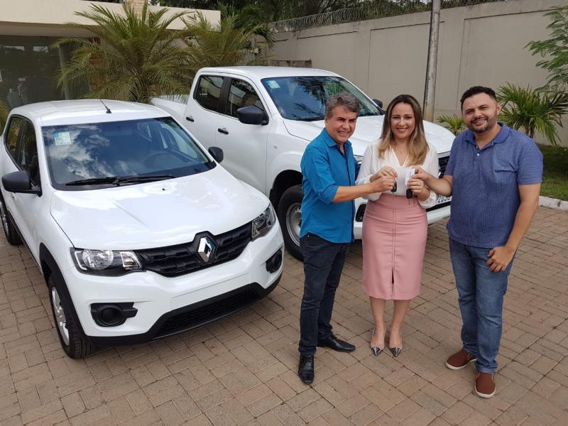 Monsenhor Gil | Prefeitura recebe dois veículos novos para a Saúde