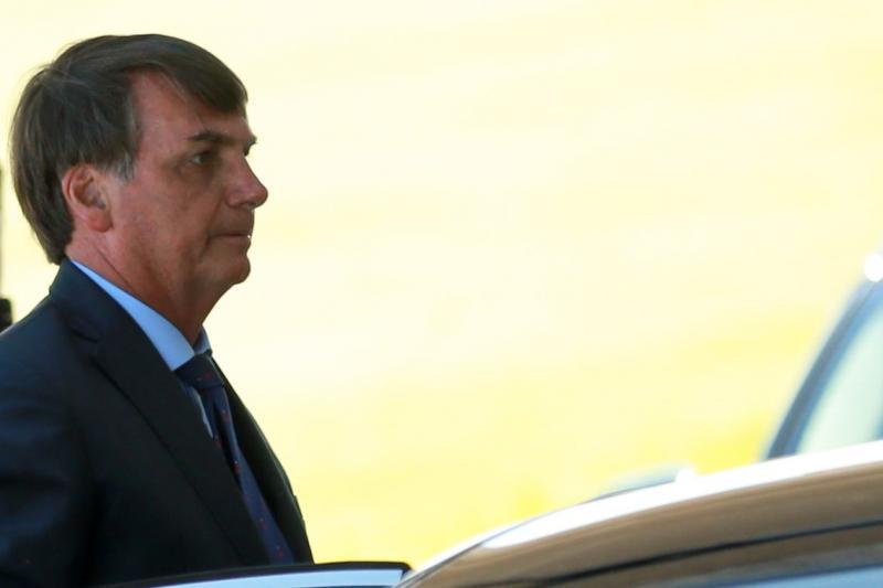 Bolsonaro quer aumento de R$ 4 a R$ 5 no salário mínimo