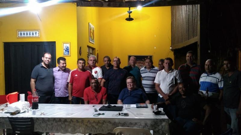 Robert Freitas e lideranças politicas em sua residência