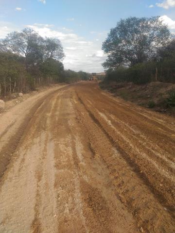 Prefeitura de Pimenteiras realiza recuperação de estradas vicinais