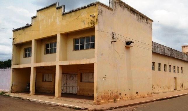 Justiça determina que prefeitura apresente de plano de reparo no teatro