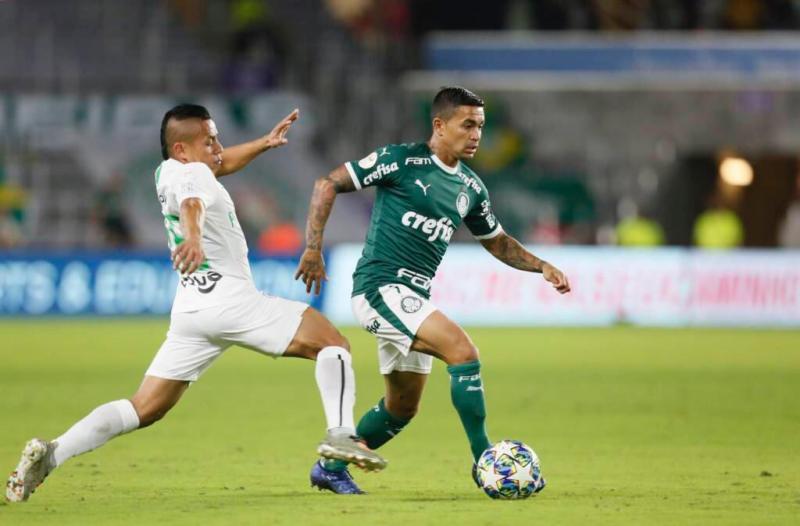 Após 20 cobranças de pênaltis, Palmeiras vence Atlético Nacional