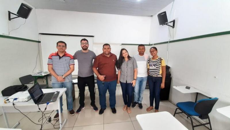 Oeiras participa de capacitação para utilização do Sinaflorw