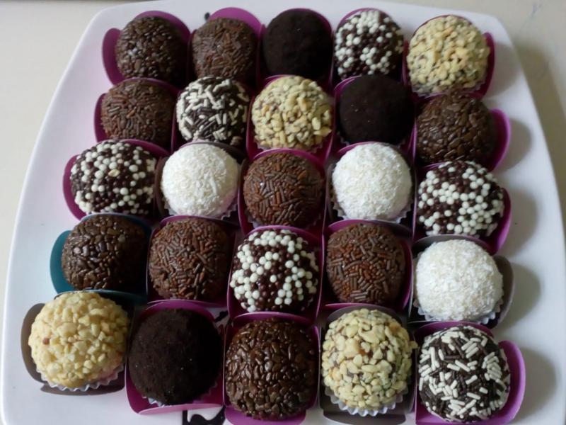 Brigadeiro gourmet é tudo de bom para oferecer em sua festa