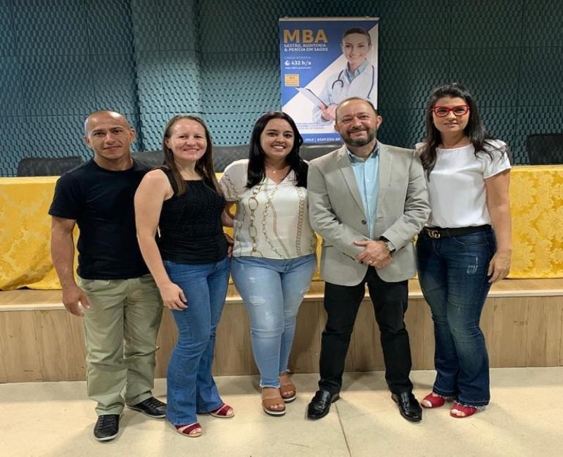 Diretora do Hospital Dirceu Arcoverde participa de palestra em Teresina