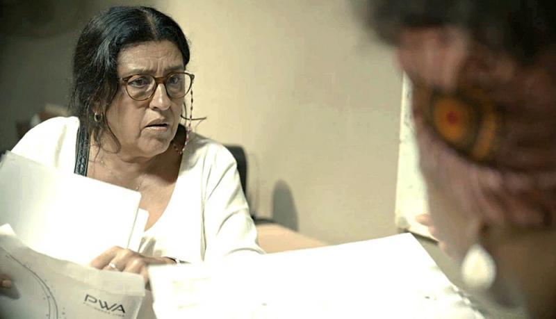 'Amor de Mãe': Lurdes rouba documentos de Álvaro e os entrega a Camila