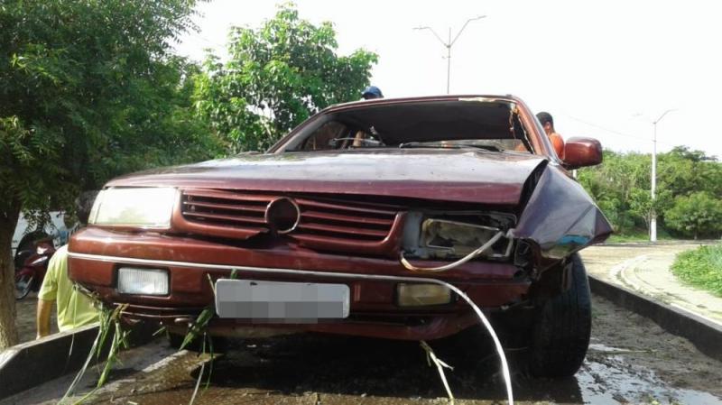 Carro cai em açude no PI e motorista é localizado em casa dormindo