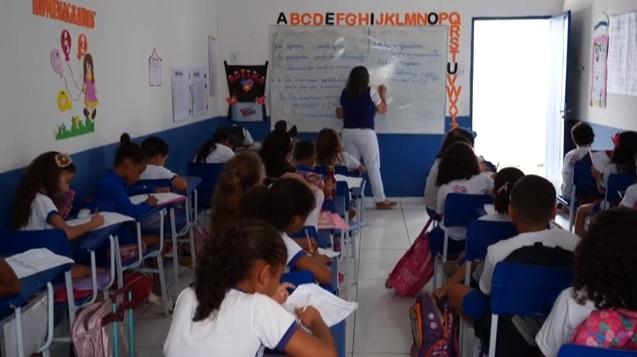 Oeiras | Professores da rede municipal terão salário acima do piso nacional