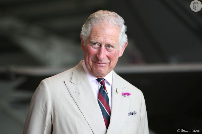 Príncipe Charles vai pagar mesada a Harry e Meghan por um ano, diz jornal