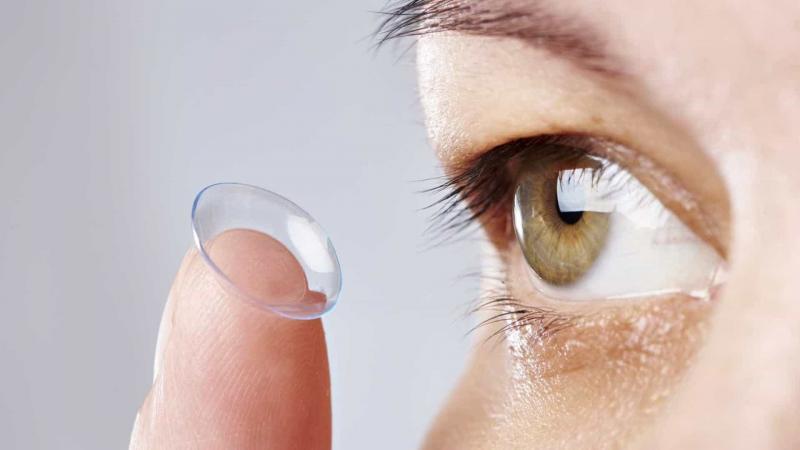 Sabia que mau uso de lente de contato pode cegar?