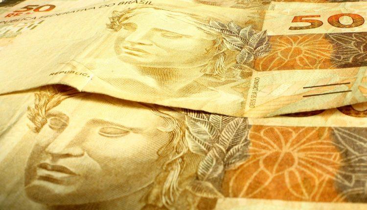 Brasileiros que sacaram FGTS estão com seguro-desemprego bloqueado