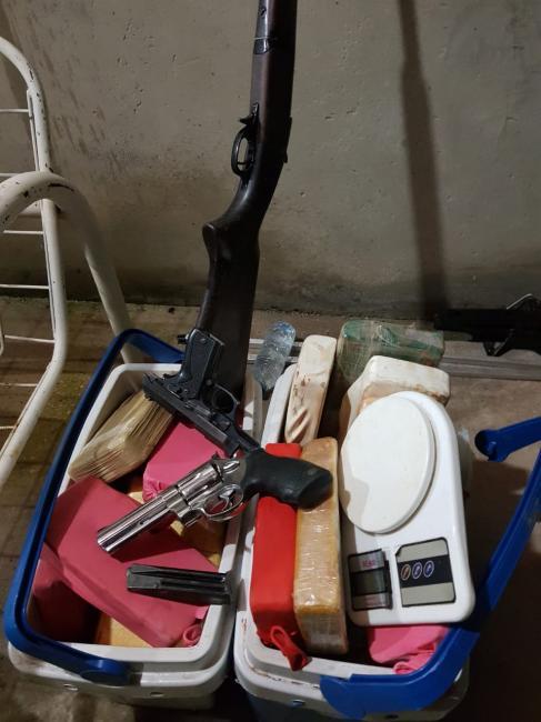 Quadrilha é presa com droga, armas e veículos na zona rural do Piauí