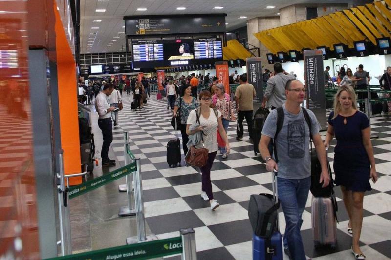 Veja como encontrar passagens aéreas baratas para viajar gastando menos