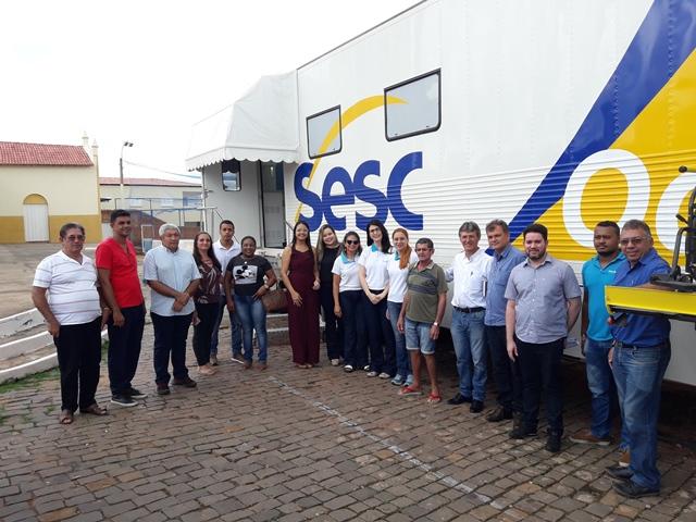 Dom Expedito Lopes recebe a Carreta odontológico do SESC/SAÚDE