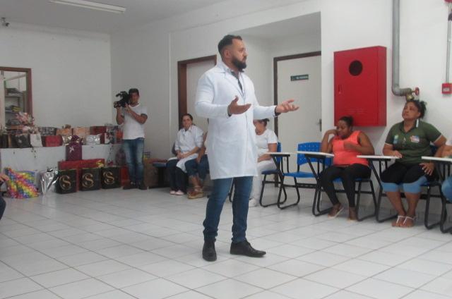 Colaboradores do HRJL participam de palestras sobre Saúde Mental