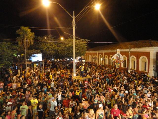 MP quer que municípios com salários em atraso não gastem com carnaval