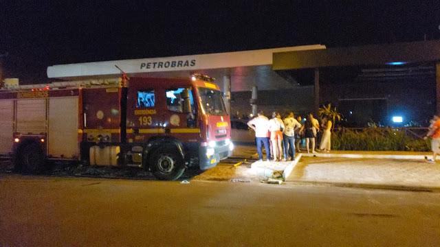 Incêndio em restaurante perto de casa de show deixa pessoas em pânico
