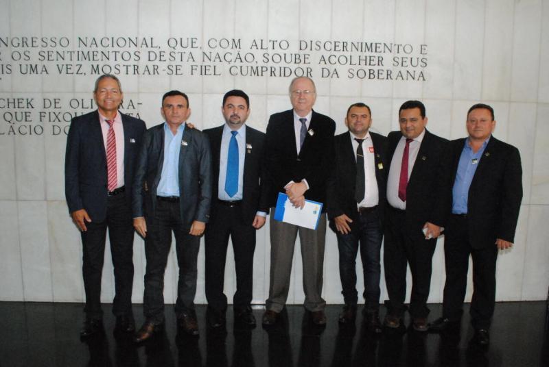 Prefeitos do Piauí cobram respostas sobre os repasses do AFM em Brasília