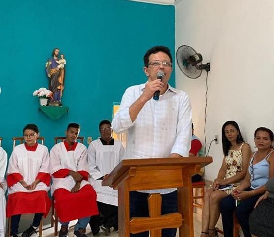Santana participa de missa em comemoração ao aniversário de Campo Largo