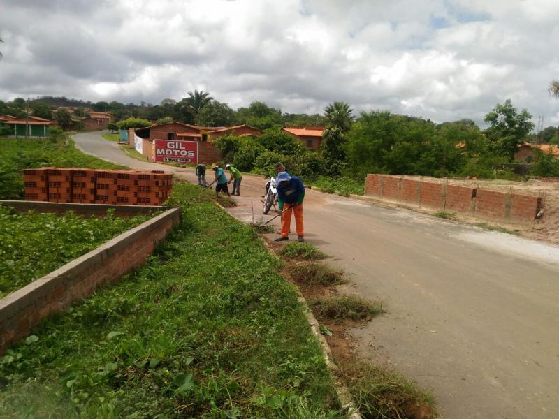 Prefeitura de Monsenhor Gil intensifica limpeza da cidade