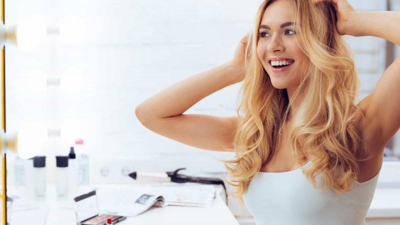 Três dicas para acordar com o cabelo naturalmente bonito